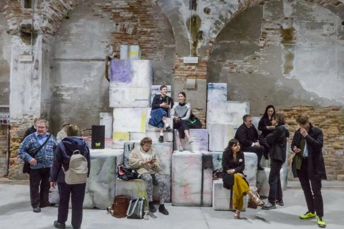 Biennale-10.jpg
