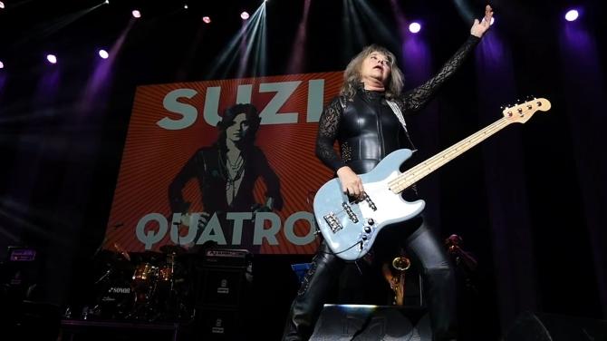 Suzi live 2017 2